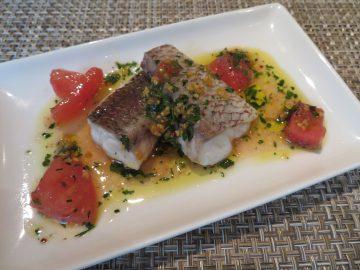 お魚のソテー イタリアンパセリとガーリックソース